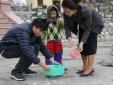 Tết ông Công - ông Táo: Nhộn nhịp không khí thả cá phóng sinh tại Hà Nội