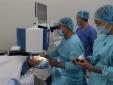 Mổ cận thị không chạm vào mắt lần đầu tiên ứng dụng tại Việt Nam