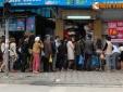 Tết Hàn thực: Cảnh người dân Hà thành xếp hàng dài mua bánh trôi