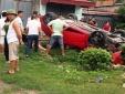 Tai nạn giao thông ngày 25/5: Ô tô lật ngửa, 5 người nhập viện