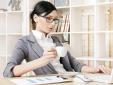 Phớt lờ 6 thói quen này khiến dân văn phòng dễ bị đau dạ dày