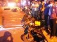 Ô tô 'điên' húc văng hàng loạt xe, người nằm la liệt trên đường