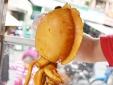Món mực khổng lồ Hồng Kông đang khuynh đảo giới trẻ Sài Gòn, Hà Nội