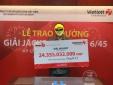 Xổ số Vietlott: Người đàn ông đeo mặt nạ vàng, 'đơn thương độc mã' đi nhận thưởng hơn 24 tỷ
