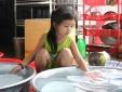 TP.HCM: Sự thật bé gái 7 tuổi không được đi học thiếu nhiều giấy tờ
