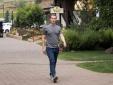 Có 74 tỷ đô, ông chủ Facebook - Mark Zuckerberg - tiêu tiền như thế nào?