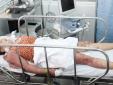 Hai chị em phải nhập viện do bị thầy cúng đánh bầm dập để....trừ tà