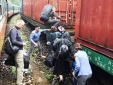 Sạt lở núi khiến tàu chở 247 hành khách bị mắc kẹt trên đèo Hải Vân