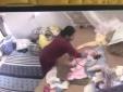 Nữ giúp việc hành hạ bé gái 1 tháng tuổi gây 'sốc': Có thể bị phạt 3 năm tù