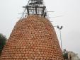 Kinh ngạc cây thông Noel 'độc nhất vô nhị' ở Việt Nam được làm từ hơn 5.000 chiếc nồi đất