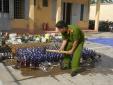 Long Biên: Hàng loạt cơ sở vi pham, gần 2.000 lít rượu không rõ nguồn gốc đã bị tiêu hủy
