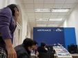Mua vé máy bay giá rẻ đi Pháp bị hủy đồng loạt: Khách hàng Việt bức xúc lên tiếng