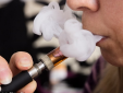 Hút thuốc lá điện tử có nguy cơ tổn thương não và tim do hút phải chì