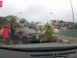 Sự thật thân phận người phụ nữ quay ngược ô tô trên cầu gây bão mạng