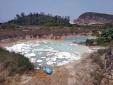 Quảng Ninh: Bắt giữ xe tải đổ trộm 2000 lít chất thải lỏng ra ngoài môi trường