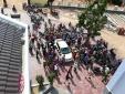 Bình Định: 500 người bao vây, đòi đánh thương lái vì nghi bắt cóc trẻ em