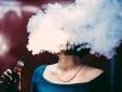 Sử dụng thuốc lá điện tử, cô gái mắc chứng phổi ướt chỉ sau 3 tuần