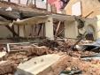 Hiện trường vụ tường nhà đang tháo dỡ đổ sập đè 3 công nhân bị thương
