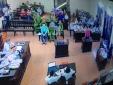 Xét xử BS Hoàng Công Lương: Nhiều người vỗ tay khi nghe lời khai của điều dưỡng trưởng