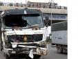 """Bắc Giang: Xe tải """"ủi"""" xe khách, 8 người thương vong"""