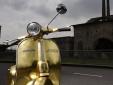 Chiêm ngưỡng chiếc xe ga Vespa Polini dát vàng giá hơn 1 tỷ đồng