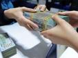 Nguyên nhân khiến các ngân hàng 'ồ ạt' tăng lãi suất tiền gửi dịp cuối năm