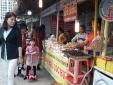 Người tiêu dùng choáng ngợp với đặc sản vùng miền 'tụ hội' tại Hà Nội
