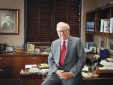 Tỷ phú Warrent Buffett: Quên chăm sóc cơ thể như đi xe trong mưa đá