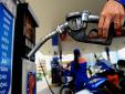 Lý do giá xăng dầu không giảm mạnh chiều qua mà chiều hôm nay mới giảm?