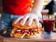 Găng tay vinyl được sử dụng tại một số cửa hàng đồ ăn nhanh có thể chứa hóa chất gây hại