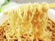 Cảnh báo nguy hiểm: Mì ăn liền gây tổn hại nghiêm trọng tới sức khỏe trẻ em