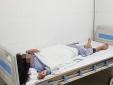 Giấu mẹ đi tiêm filler nâng mũi bé gái 13 tuổi bị mù mắt, hoại tử da