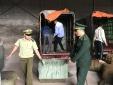 Giả danh thương binh sử dụng các xe mô tô ba bánh để vận chuyển hàng hóa nhập lậu