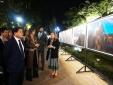 Triển lãm ảnh báo chí thế giới tại hồ Hoàn Kiếm- Kết nối Hà Nội với các thành phố thế giới