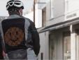 Áo khoác Emoji tăng cường an toàn cho người đi xe đạp