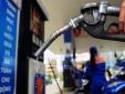 Giá xăng giảm mạnh 4.200 đồng/lít, xuống chỉ còn hơn 11 nghìn đồng/lít