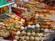 Thâm nhập cơ sở phân phối đồ ăn vặt cổng trường