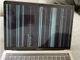Nhiều MacBook nứt màn hình không rõ lý do, người dùng hoang mang