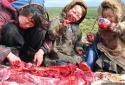 Bí ẩn những bộ tộc ăn thịt sống