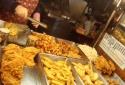 Trung Quốc: Bé trai 7 tuổi sùi bọt mép sau khi ăn món gà rán