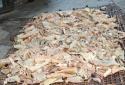 Hãi hùng 700 kg bì lợn thối suýt lên mâm cơm Việt