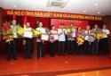 Bộ trưởng Nguyễn Quân nhận Kỷ niệm chương của Đảng ủy Khối Doanh nghiệp Trung ương