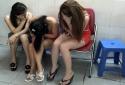 Nữ nhân viên tiệm tóc ở Sài Gòn dụ khách kích dục