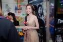 Elly Trần tiếp tục khoe đường cong với mốt váy trong suốt