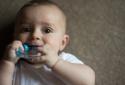 Miếng ngậm nướu chứa hóa chất độc hại có thể ảnh hưởng IQ của trẻ