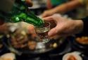 Mắc viêm tụy vì thói quen uống rượu: Quý ông chớ xem thường!