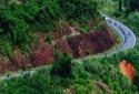 Cảnh báo tai nạn giao thông: Tài xế 'thót tim' vượt đèo Hòn Giao