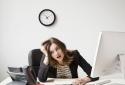5 cách làm việc thiếu khoa học có thể 'tàn phá' sức khỏe nhanh chóng