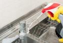 Chất tẩy rửa, khăn giấy chống khuẩn có thể khiến bạn lãng phí tiền bạc vì lý do sau