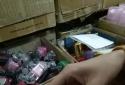 'Lật tẩy' sơn móng tay chính hãng bị 'nhái' tại chợ Đồng Xuân